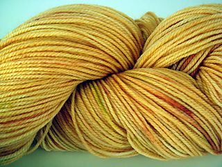 Woolen rabbit orange yarn