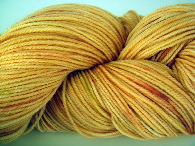 Woolen rabbit orange yarn