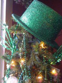 Tree topper hat
