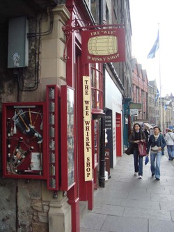 Wee_whisky_shop