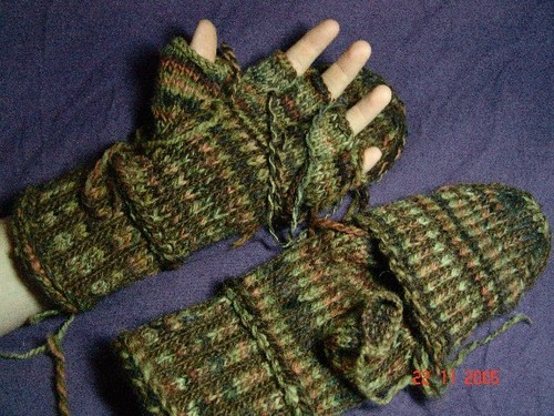 Dan_glovemitts_finished_001_standard_ema
