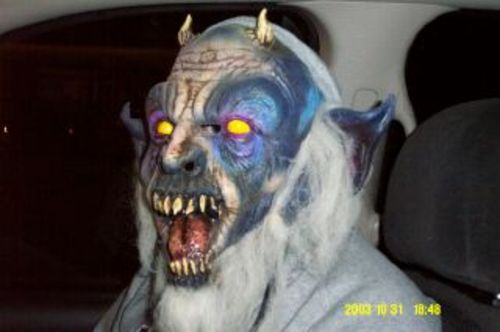 Halloween_passenger_oct_20030001