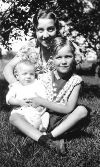 Jean_f_hartman_with_baby_pierre_grandmer