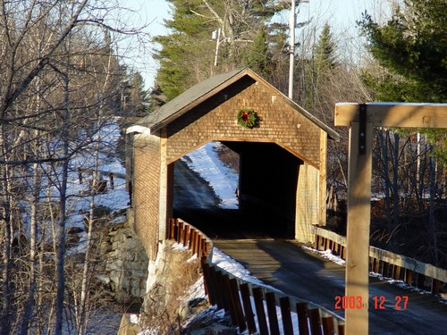 Penobscot_co_covered_bridge_2_dec_2003