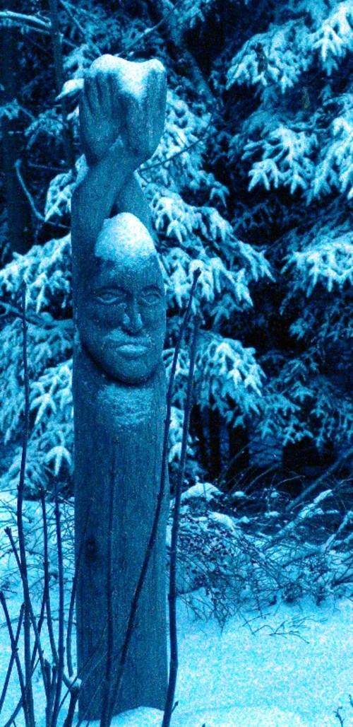 Snowy_shower_buddha