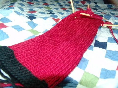 Ssshhhh_santa_knitting