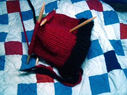 Sssssssshhhhhh_santa_knitting_1_2