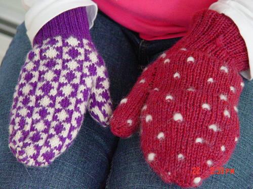 Geometric Mitt left, Fleece stuffed mitt on right